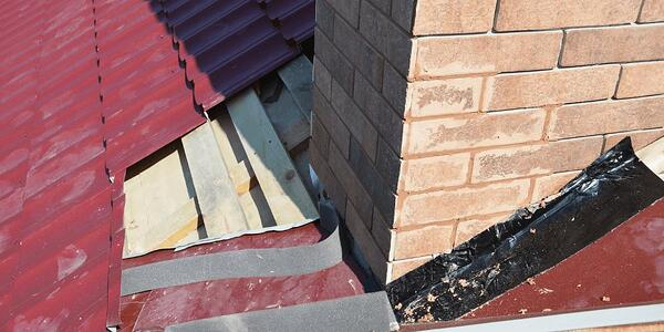 repair-roof-flashing